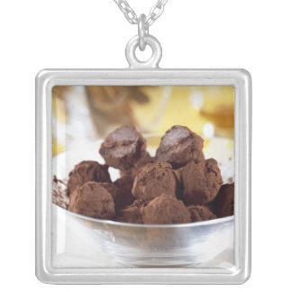 Trüffeln mit 70% schwarzer Schokolade für Gebrauch Versilberte Kette