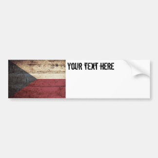 Tschechische Republik-Flagge auf altem hölzernem Autoaufkleber