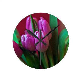 Tulpen Poesie in Rosa Runde Wanduhr