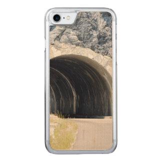 Tunnel im Gletscher-Park Carved iPhone 8/7 Hülle