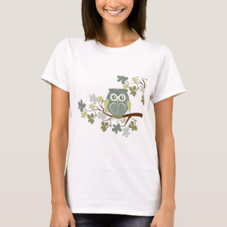 Tupfen-Eule im Baum T-Shirt