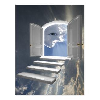 Tür geöffnet auf einem mystischen Auge Postkarte