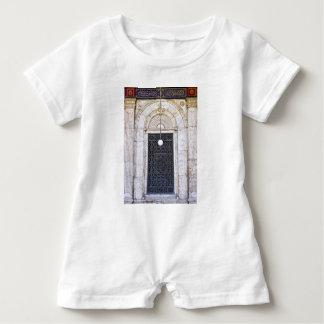 Türgitter der Sultan-Ali-Moschee in Kairo Baby Strampler
