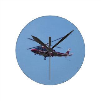 Türkischer Hubschrauberkrankenwagen Runde Wanduhr