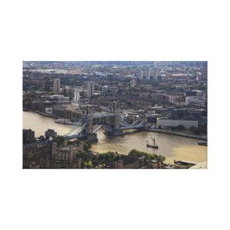 Turm-Brücken-Fotografie eingewickelte Leinwand