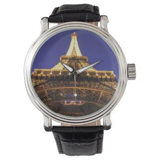 Turm FRANKREICHS, Paris Eiffel, Abendsansicht Uhr