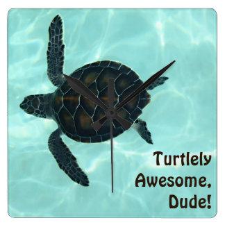 Turtlely fantastisch! quadratische wanduhr