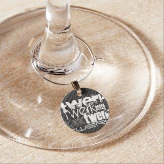 Twerk; Schwarze u. dunkelgraue Streifen Weinglas Anhänger