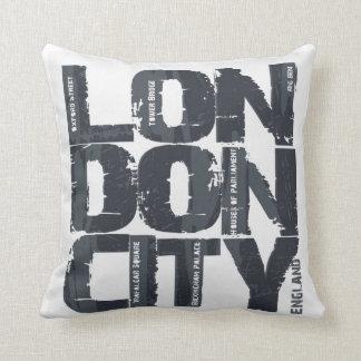 Typografie Londons, England Kissen