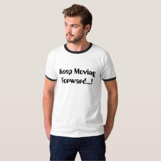 Typografie-Shirt behalten vorwärts sich bewegen T-Shirt