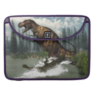 Tyrannosaurus rex Dinosaurier in Angriff genommen Sleeve Für MacBooks