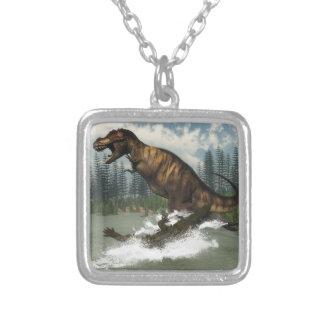 Tyrannosaurus rex Dinosaurier in Angriff genommen Versilberte Kette