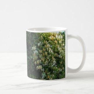 Überfluss des Geißblattes Kaffeetasse