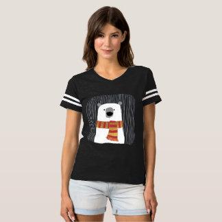 Übergeben Sie das Zeichnen des weißen Bären mit T-shirt