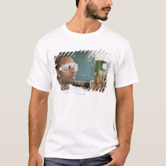 Überprüfenexperiment des afrikanischen T-Shirt