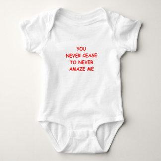 ÜBERRASCHEN Sie Baby Strampler
