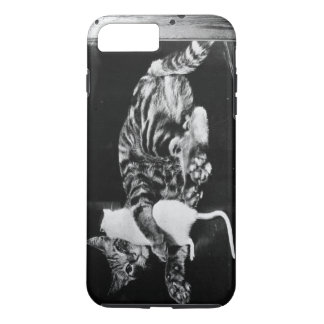 Überraschende Freundschaft - Katze Minnie und iPhone 8 Plus/7 Plus Hülle
