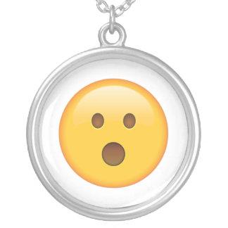 Überraschtes Gesicht - Emoji Versilberte Kette
