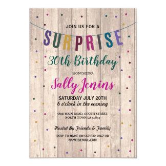 Überraschungs-Geburtstags-laden hölzerner hübscher Karte