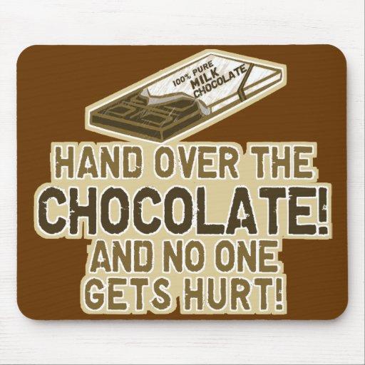 Überreichen Sie die Schokolade Mousepad