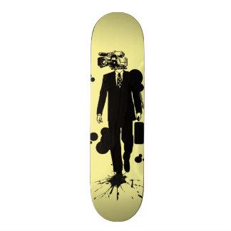 """Überwachungs-"" T - Shirt Individuelles Skateboard"