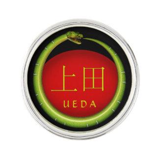 Ueda Monogramm-Schlange Anstecknadel
