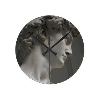 Uhr von Michelangelos David