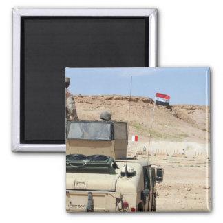 Uhren eines Lehrers als irakischer Armeesoldat Quadratischer Magnet