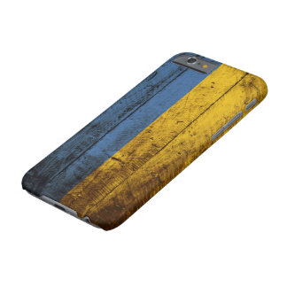 Ukraine-Flagge auf altem hölzernem Korn Barely There iPhone 6 Hülle