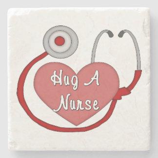 Umarmen Sie eine Krankenschwester Steinuntersetzer