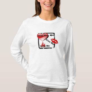 Umarmung Mir-Kuss Mir-Liebe ich Valentinstag oder T-Shirt