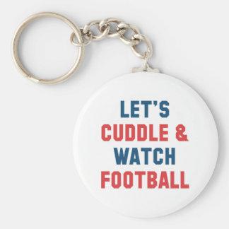 Umarmung und Fußball Schlüsselanhänger