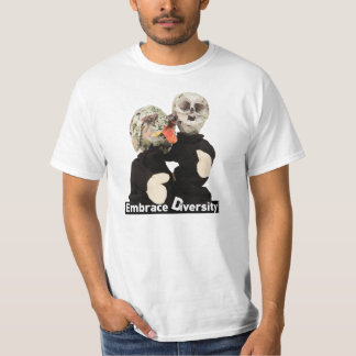 Umarmungs-Diversity Lou und Skelett Edeltraut T-Shirt