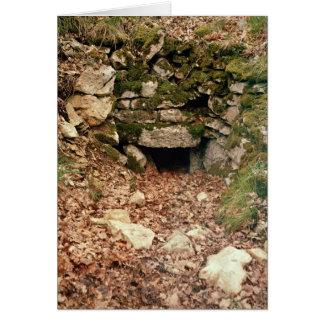 Umfaßter Eingang zu einem Tumulus Grußkarte