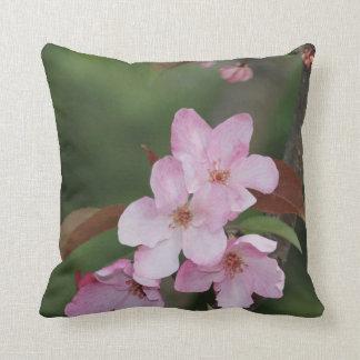 Umschaltbares rosa Holzapfel blühen Kissen