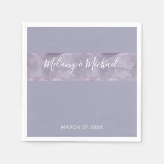Unbedeutender moderner Lavendel-Aquarellstreifen Papierservietten