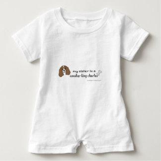unbekümmerter König Charles Spaniel - mehr Baby Strampler