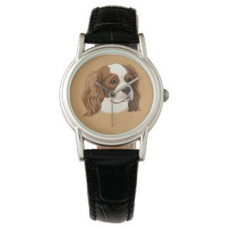 Unbekümmerter Königcharles Spaniel im Porträt Uhr