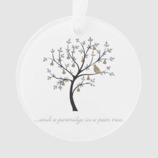 Und ein Rebhuhn in einem Birnenbaum Ornament