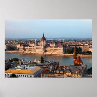 Ungarisches Parlament am Sonnenuntergang in Poster