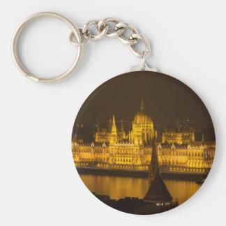 Ungarisches Parlament Budapest bis zum Nacht Schlüsselanhänger