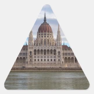 Ungarisches Parlament Budapest bis zum Tag Dreieckiger Aufkleber