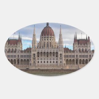 Ungarisches Parlament Budapest bis zum Tag Ovaler Aufkleber