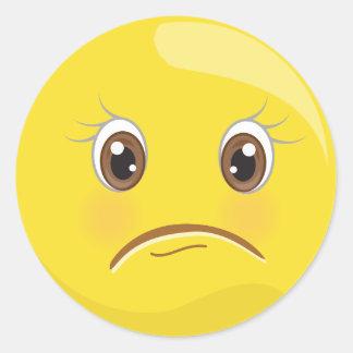 Unglückliches/trauriges gelbes Emoji stellen Runder Aufkleber