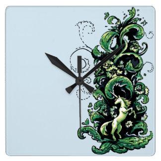 Unicorn blühen quadratische wanduhr