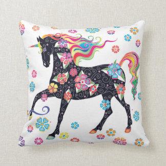 Unicorn-dunkelblaue Regenbogen-Blumen Kissen
