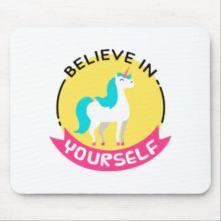 Unicorn glauben an selbst das motivierend Zeichnen Mauspad