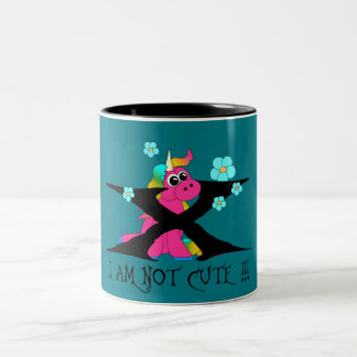 Unicorn - i am not cute! zweifarbige tasse