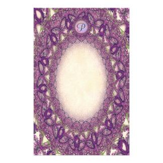 Unliniertes Monogramm-lila Briefpapier