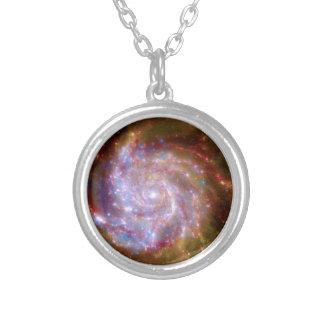 Unordentlichere 101 gewundene Galaxie - Hubble Versilberte Kette